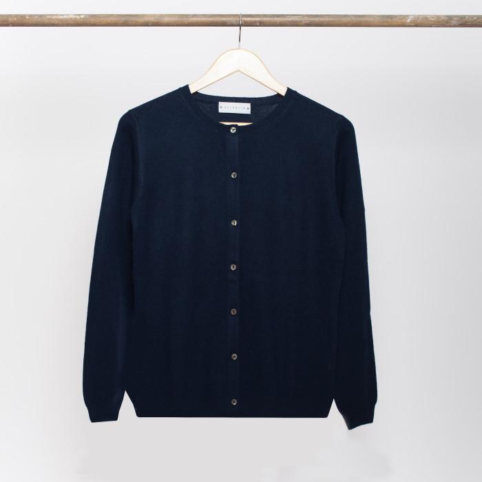 cardigan femme bleu marine laine et tricot. Black Bedroom Furniture Sets. Home Design Ideas