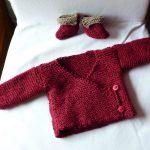Cache coeur bébé à tricoter