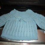 Modèle brassière bébé à tricoter