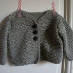 Gilet pour bébé à tricoter