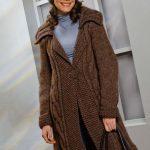 Modèle de manteau à tricoter pour femme