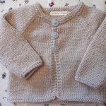 Gilet a tricoter pour bebe garcon