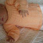 Brassiere en laine pour bebe a tricoter