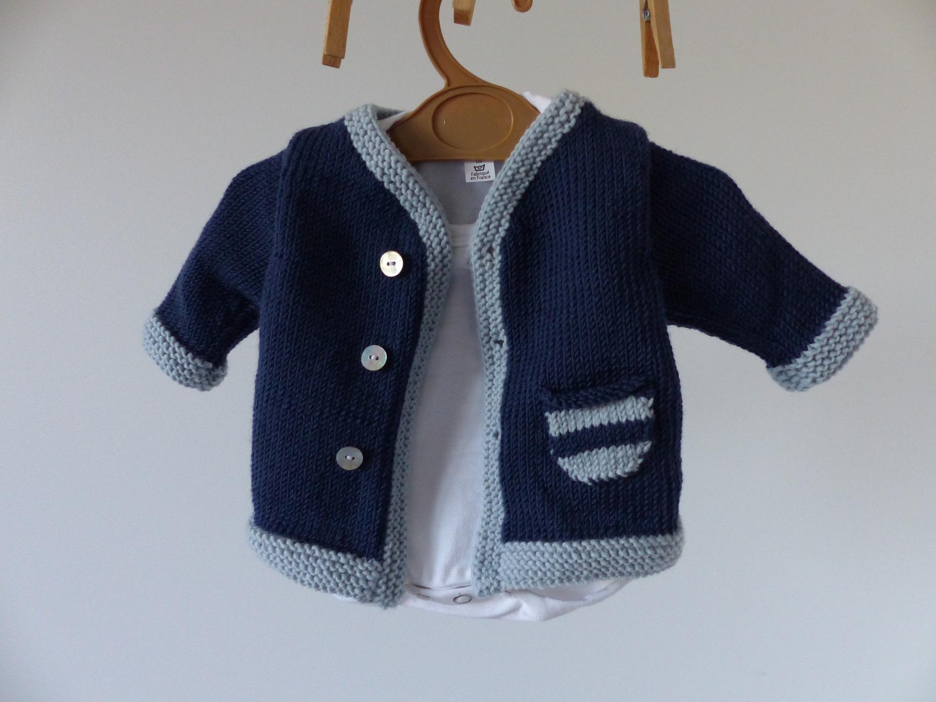 5577c15b830c0 Gilet naissance bébé - Laine et tricot