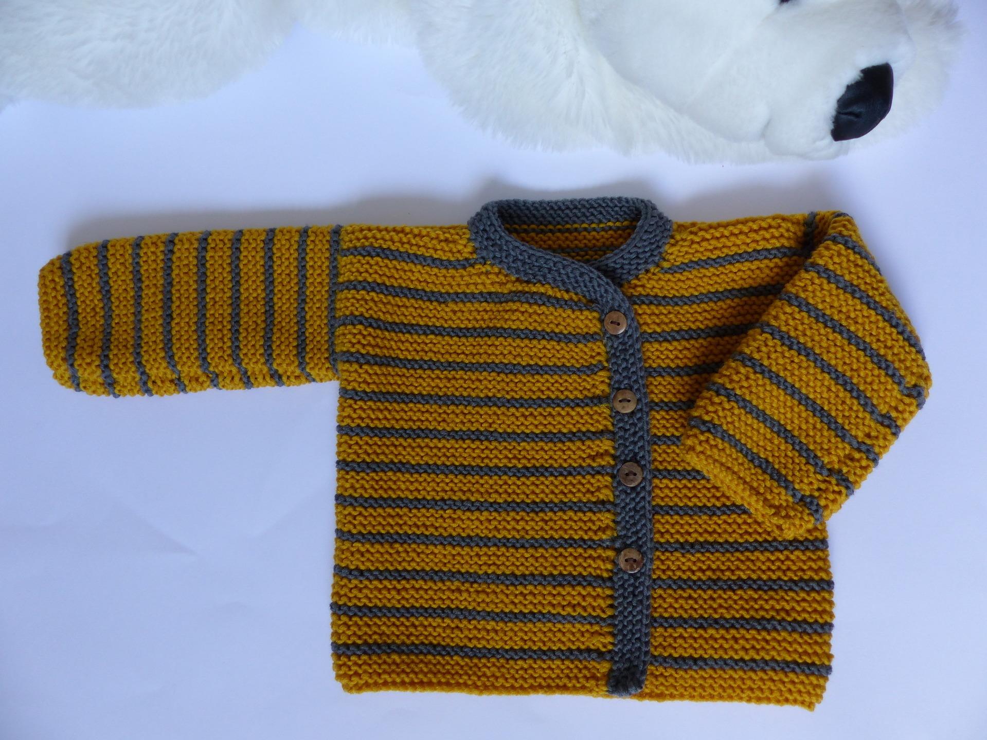 brassi re b b 1 mois laine et tricot. Black Bedroom Furniture Sets. Home Design Ideas