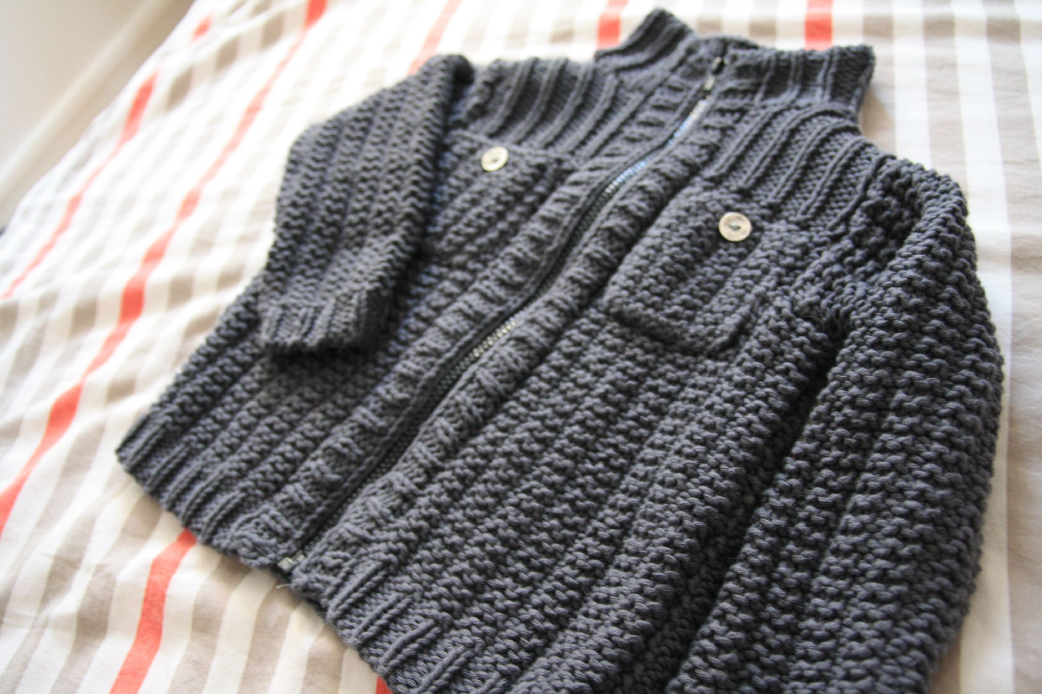 Hervorragend Modèle tricot gilet fille 4 ans - Laine et tricot PX55