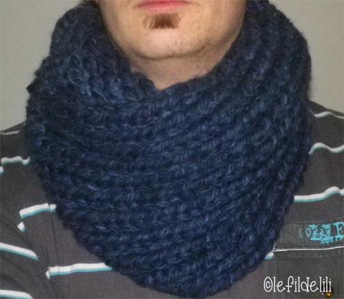 Comment tricoter un snood pour homme laine et tricot - Tricoter une echarpe homme ...