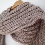 Modèle écharpe tricot grosse laine