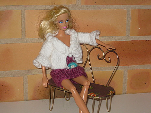 tricot barbie facile laine et tricot. Black Bedroom Furniture Sets. Home Design Ideas