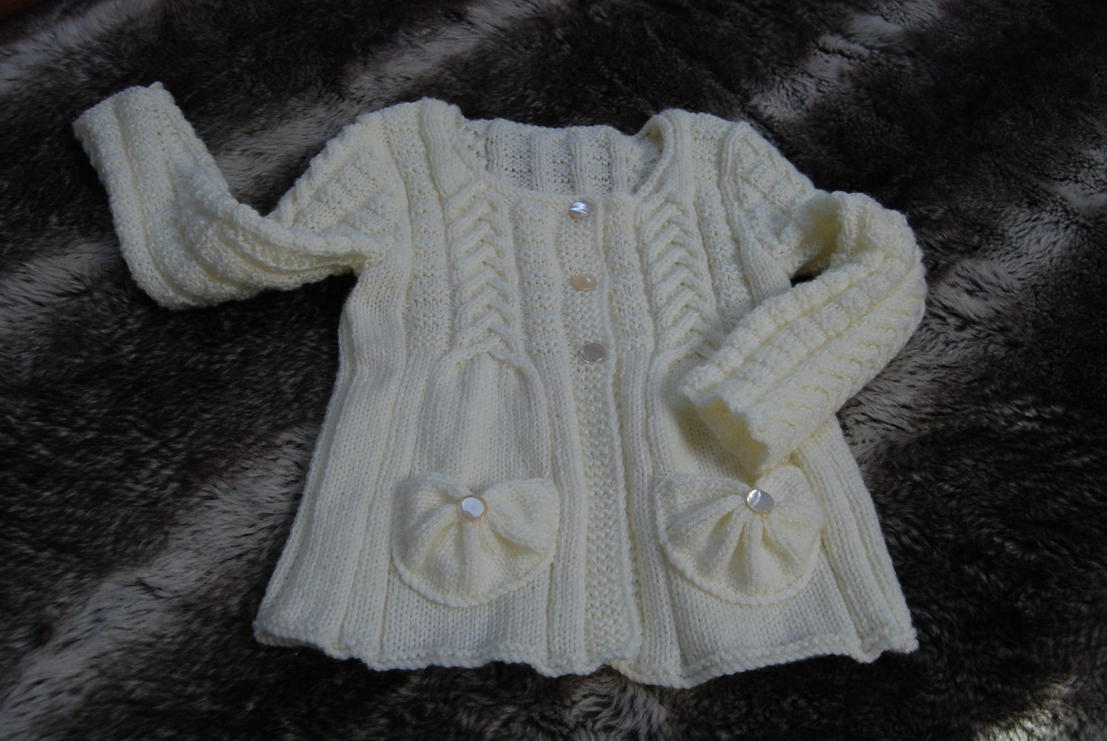 modele tricot fillette 2 ans